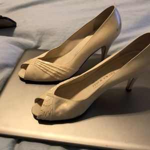 Bruno Magli Cream kitten heels